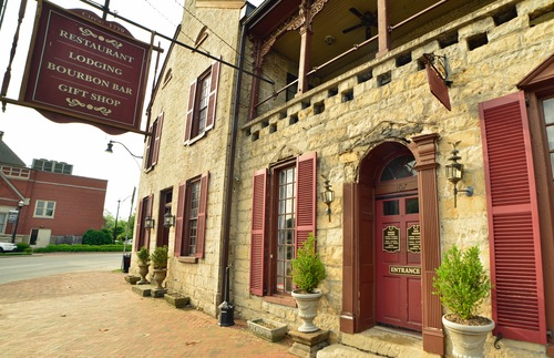 Old Talbott Tavern in Bardstown, Kentucky