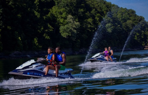 Best Lakefront Hotel Trips for Families in the USA and Canada: Lake Cumberland State Resort Park, Kentucky