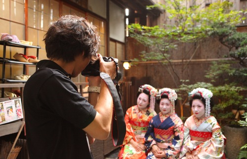 How to Get a Geisha Makeover in Japan: Booking your experience