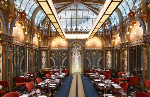 The Most Eye-Popping Art Nouveau Cafes in Paris
