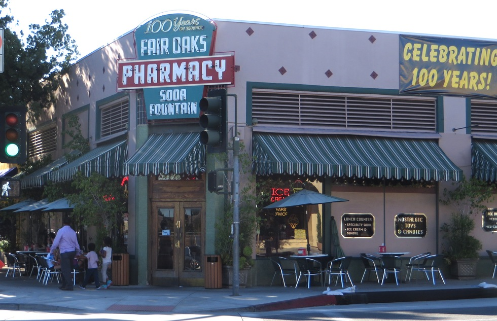 Fair Oaks Pharmacy soda fountain in South Pasadena, California