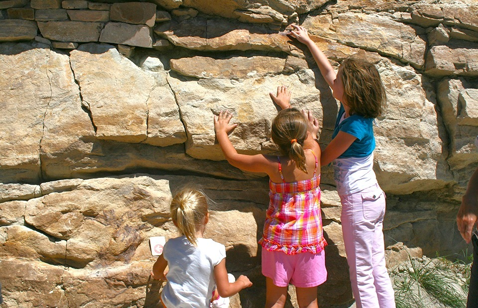 Best Dinosaur Museums and Attractions for Kids and Families: Dinosaur Ridge National Natural Landmark, Morrison, Colorado