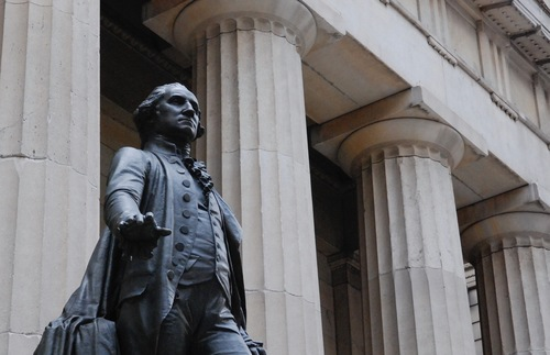 George Washington statue in front of Federal Hall in New York City