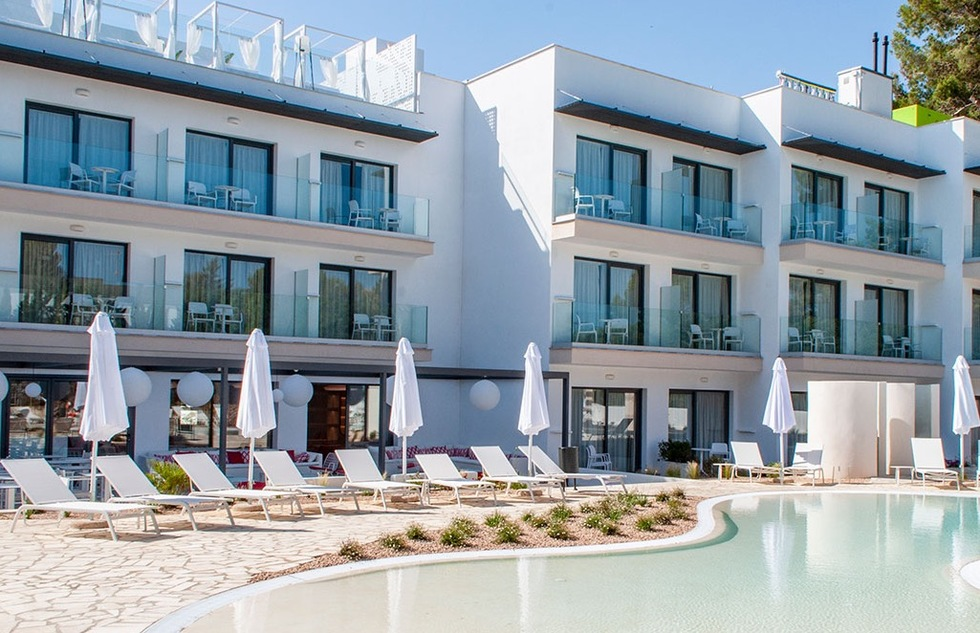 No Men Allowed at This New Majorca Hotel | Frommer's