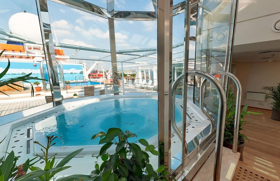 Luxury expedition cruises include spas, restaurants and other amenities