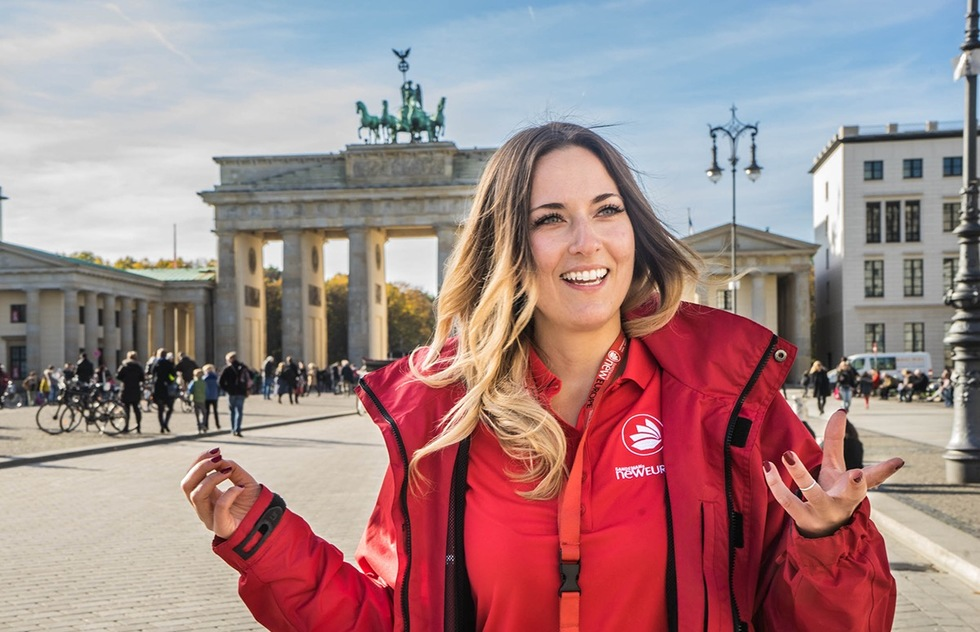 "Just How Do ""Free Tours"" Work? An Interview With Sandemans New Europe 