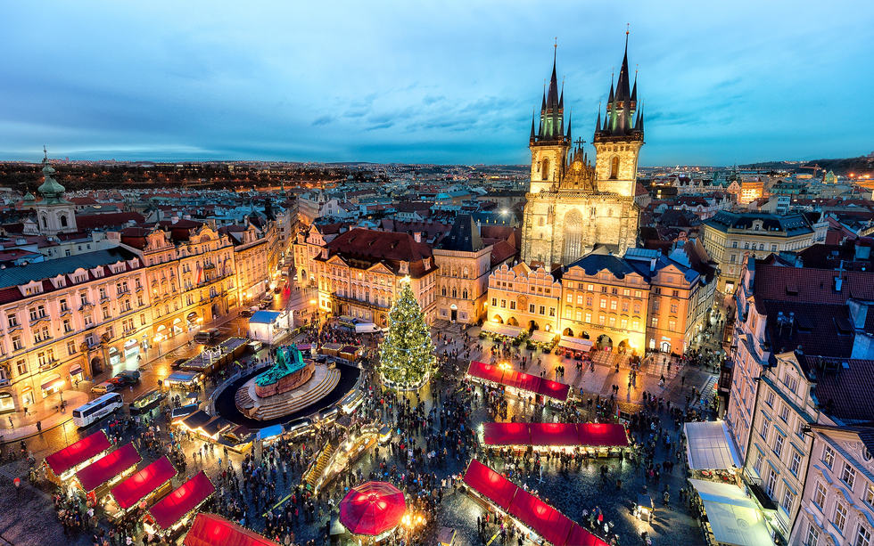 Prague's Old Town and Wenceslas Square Christmas market