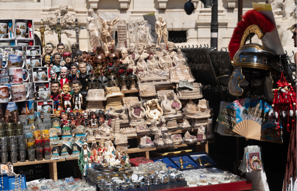 Rome Bans Souvenir Stands Next to Iconic Sites | Frommer's