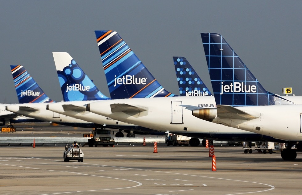 At JetBlue, a New High in Baggage Fees Brings a New Low for Customers | Frommer's