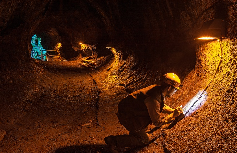 Hawaii Volcanoes National Park Reopens Walk-Through Lava Tube | Frommer's