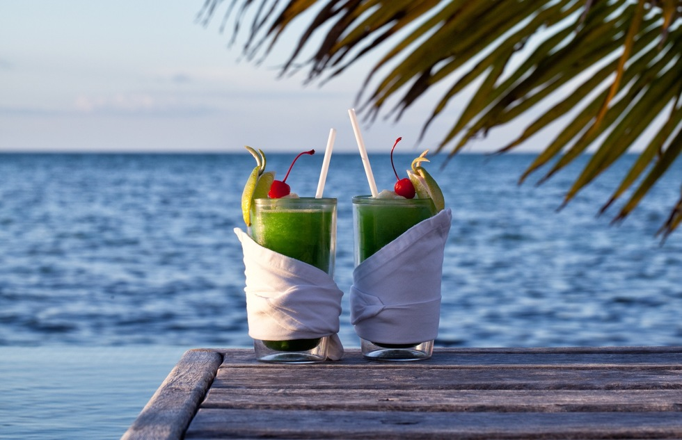 Great cocktail recipes from great hotel bars: Espanto Wave, Caya Espanto, Belize