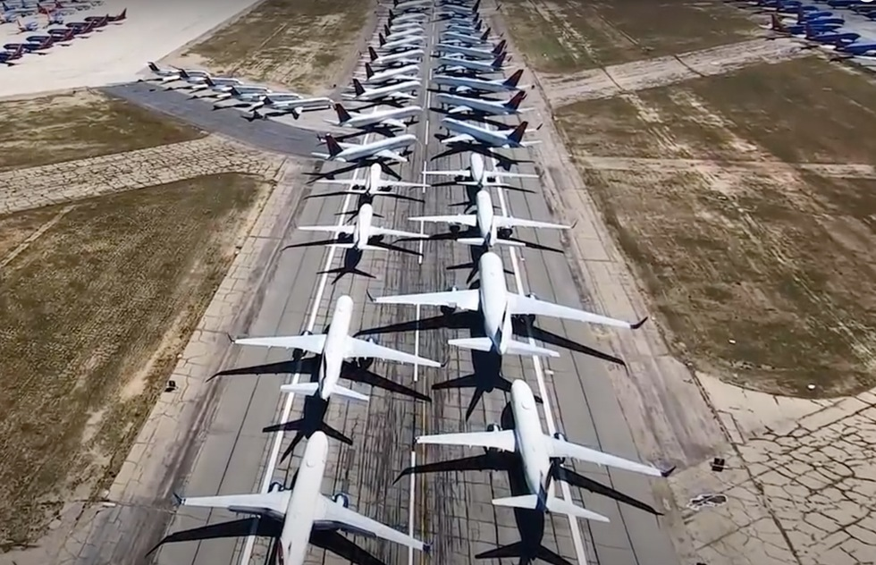 WATCH: Stunning Aerial Footage of Over 400 Airliners Mothballed in the Mojave | Frommer's
