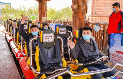 How the Major Theme Parks Might Reopen | Frommer's