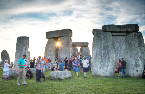 How to Watch the Summer Solstice at Stonehenge for Free Online | Frommer's