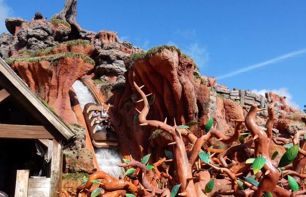 How Splash Mountain Became Disney's Most Problematic Ride | Frommer's