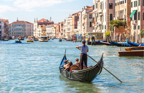 Tourist Overload: Venice Limits Gondola Capacity Due to Heavier Visitors | Frommer's