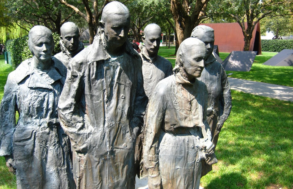 "George Segal's ""Rush Hour"" at the Nasher Sculpture Center in Dallas"
