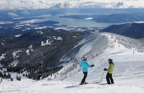 Ski Free If You Fly Alaska Airlines to the Slopes | Frommer's