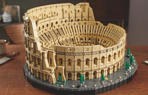 Lego's Epic Colosseum Set Is Company's Largest Ever | Frommer's