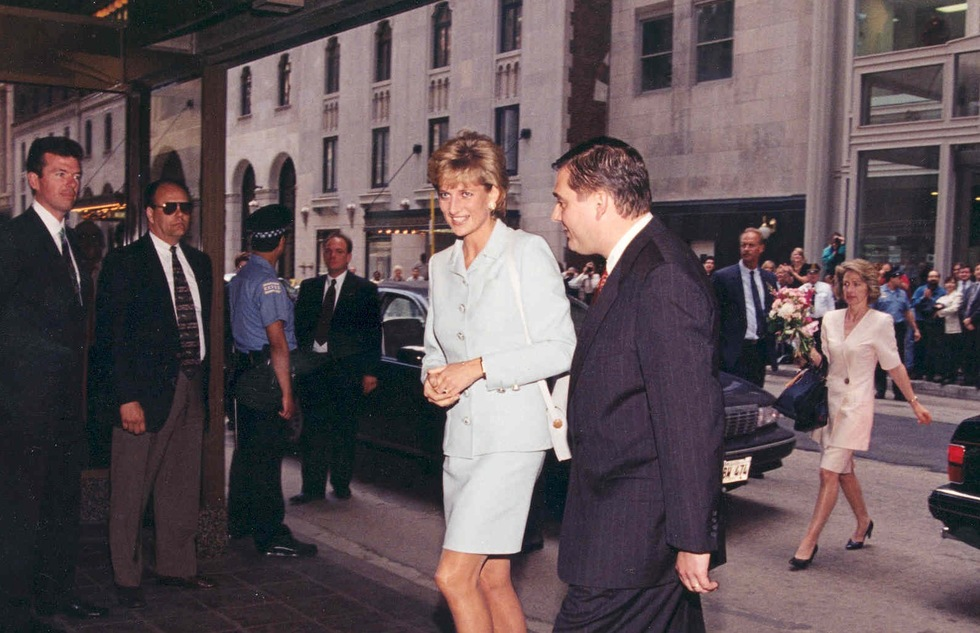 Princess Diana Hotel Package Obsessively Retraces Her Stay in Chicago | Frommer's