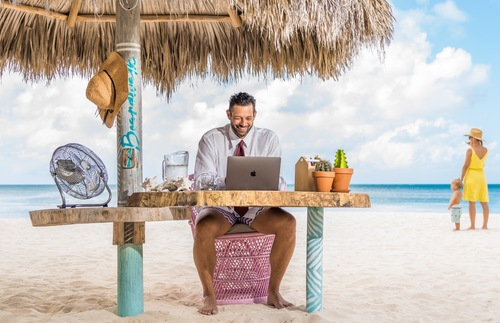 Work from the Beach in Aruba at These Seaside Desks | Frommer's