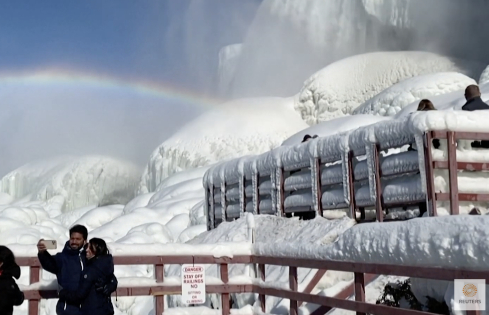 Awe-Inspiring Images of Wintry Niagara Falls Amid Ice, Snow, and Rainbows | Frommer's