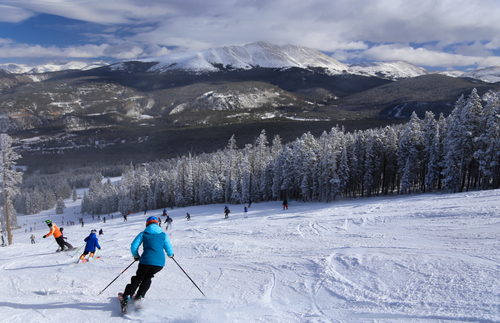 Vail Resorts Cuts Price of Multiresort Ski Pass by 20% for 2021–22 | Frommer's