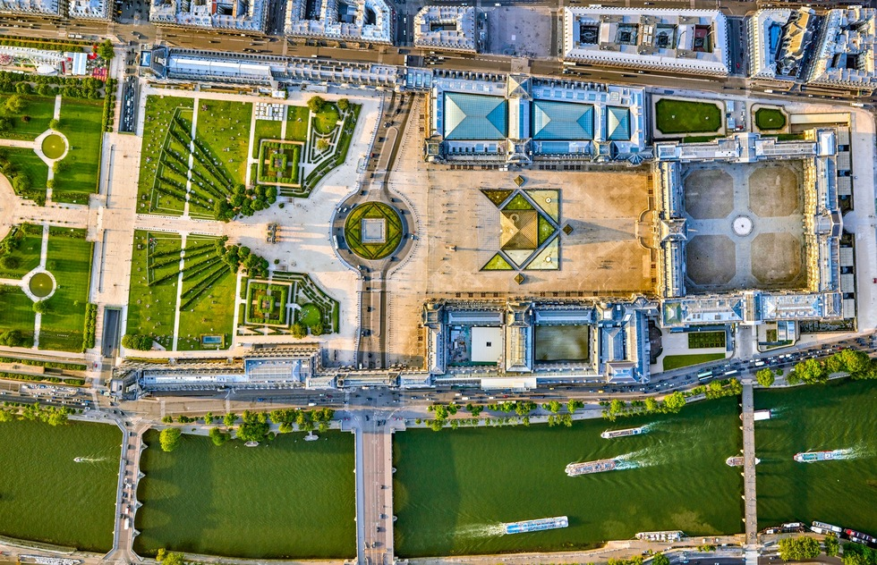 Paris: From the Air (Rizzoli): The Louvre and the Seine