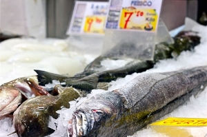 Finds from the Mediterranean Sea and Albufera lagoon abound at Valencia's expansive Mercado Central.