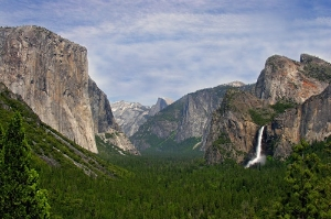 Yosemite Valley from Tunnel View. Photo courtesy DNC Parks & Resorts at Yosemite, Inc.