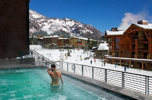 The infinity hot tub at Hotel Terra in Jackson Hole. Courtesy Terra Resort Group