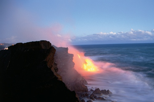 Lava from Kilauea Volcano meets the sea. Photo: Kirk Lee Aeder/The Hawaii Tourism Authority