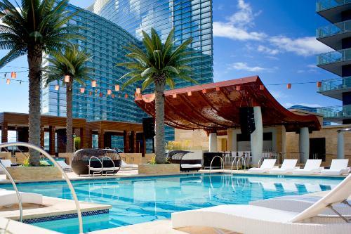 America 39 S Best Rooftop Hotel Pools