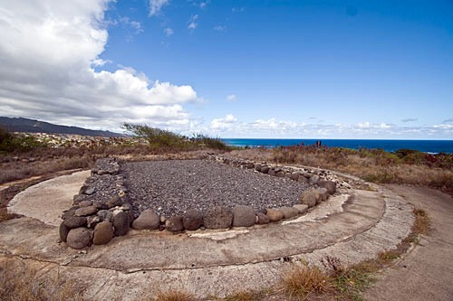 Hawaii's heiau (temples) were sacred places of worship and sacrifice. Native Hawaiians still consider these places sacred, so if you visit, please don't walk on the heiau or climb on the rocks.