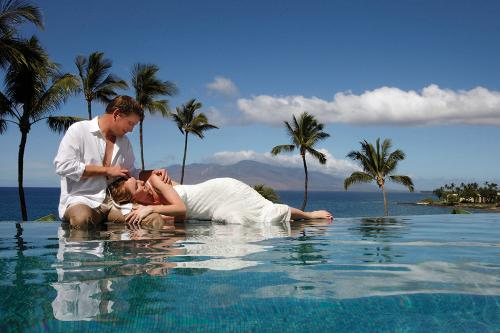 10 best honeymoon spots in hawaii for Best relaxing vacation spots