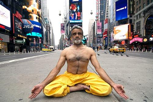 Dharma Mittra is a master of calm and poise. Courtesy Dharma Yoga Center.