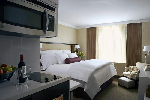 A king studio room at the Staybridge Suites hotel in New York City, across from the Port Authority Bus Terminal. Courtesy Staybridge Suites