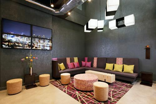 The re:mix Lounge at Aloft Brooklyn.