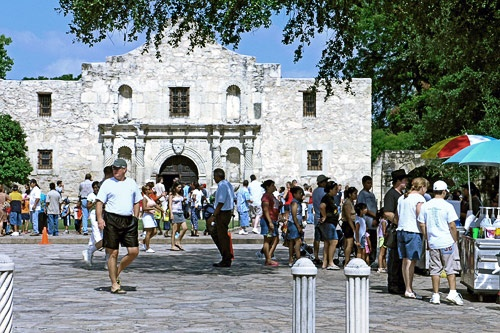<strong>By Cate Latting</strong><br><br>A rich history, modern-day cultural institutions, kid-friendly resorts and restaurants, and variety of theme parks and outdoor amusements all combine to make San Antonio a fantastic choice for family-oriented fun.<br><br><em>Photo Caption: Visitors outside the Alamo.</em>