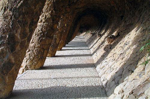 Unique vaulting in a colonnaded pathway in Parc Güell.