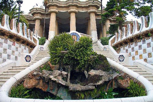 Entrance to Parc Güell, featuring the original work of legendary architect Antoni Gaudí.