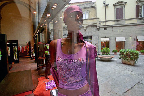 Fashionistas haunt the shops of Via Tornabuoni.