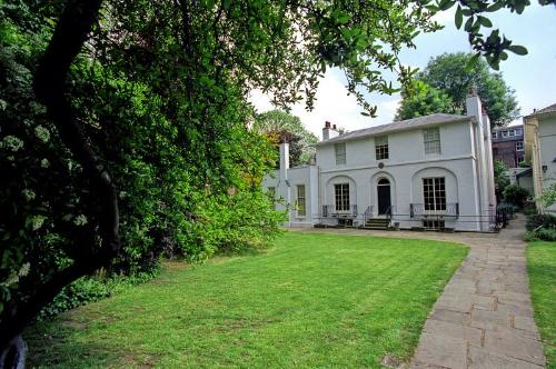 The poet John Keats wrote his famous Ode on a Grecian Urn while living in this Hampstead house
