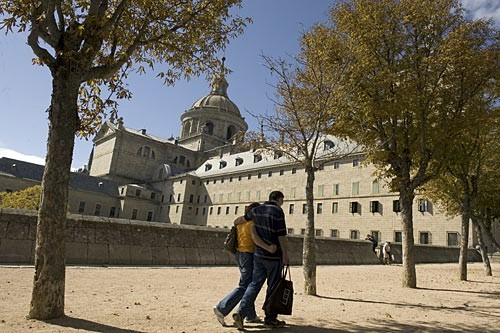 If the Palacio Real belongs to the Bourbons stylistically, El Escorial belongs to the Hapsburgs.