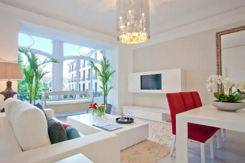 A three bedroom apartment for rent by Spain Select in Madrid, Spain.