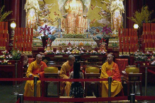 three buddhist monks in singapore thian hock keng temple