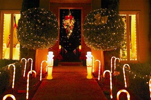 World S Best Holiday Lights 10 Decorated Cities