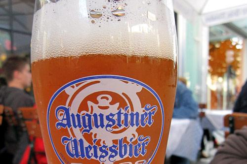 <em>Weissbier</em> (wheat beer) is typically served in half-liter glass flutes instead of one-liter steins.