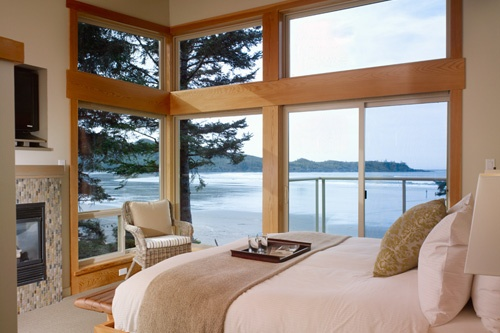 Luxury Villa Master Bedroom at Pacific Sands Beach Resort, Vancouver Island. Photo: Pacific Sands Beach Resort