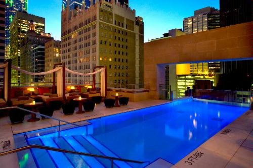 Evening at the rooftop pool at The Joule Dallas.